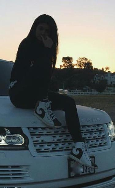 Kylie-jenner Shoes White Shoes Kylie Jenner Black White Black White Casual Streetwear Grunge High Sneakers cover image