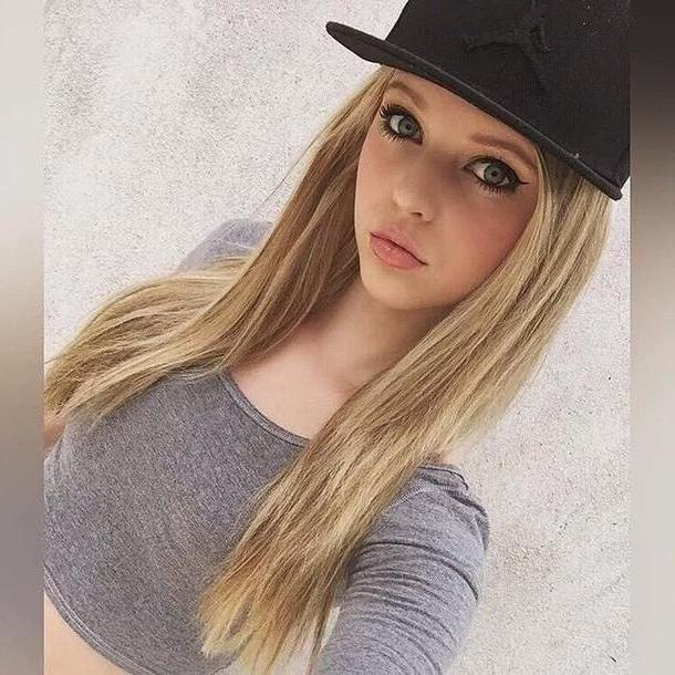 Loren-gray Top Grey Grey Loren Gray Loren Beech cover image