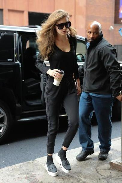 Gigi-hadid Shoes Black Black Sweatshirt Sweatpants Gigi Hadid Model Duty Streetstyle Sneakers Shoes cover image