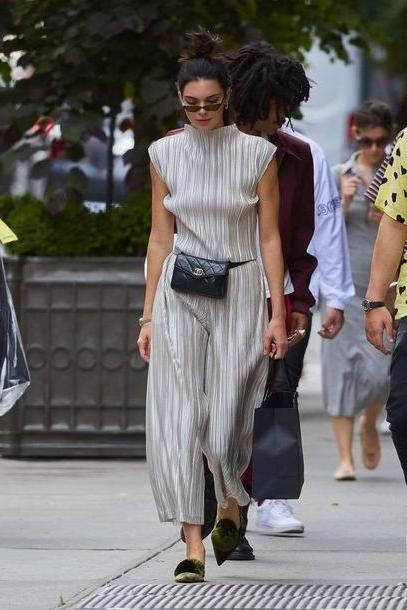 Kendall-jenner Shoes Black Shoes Jumpsuit Pants Kendall Jenner Kardashians Streetstyle cover image