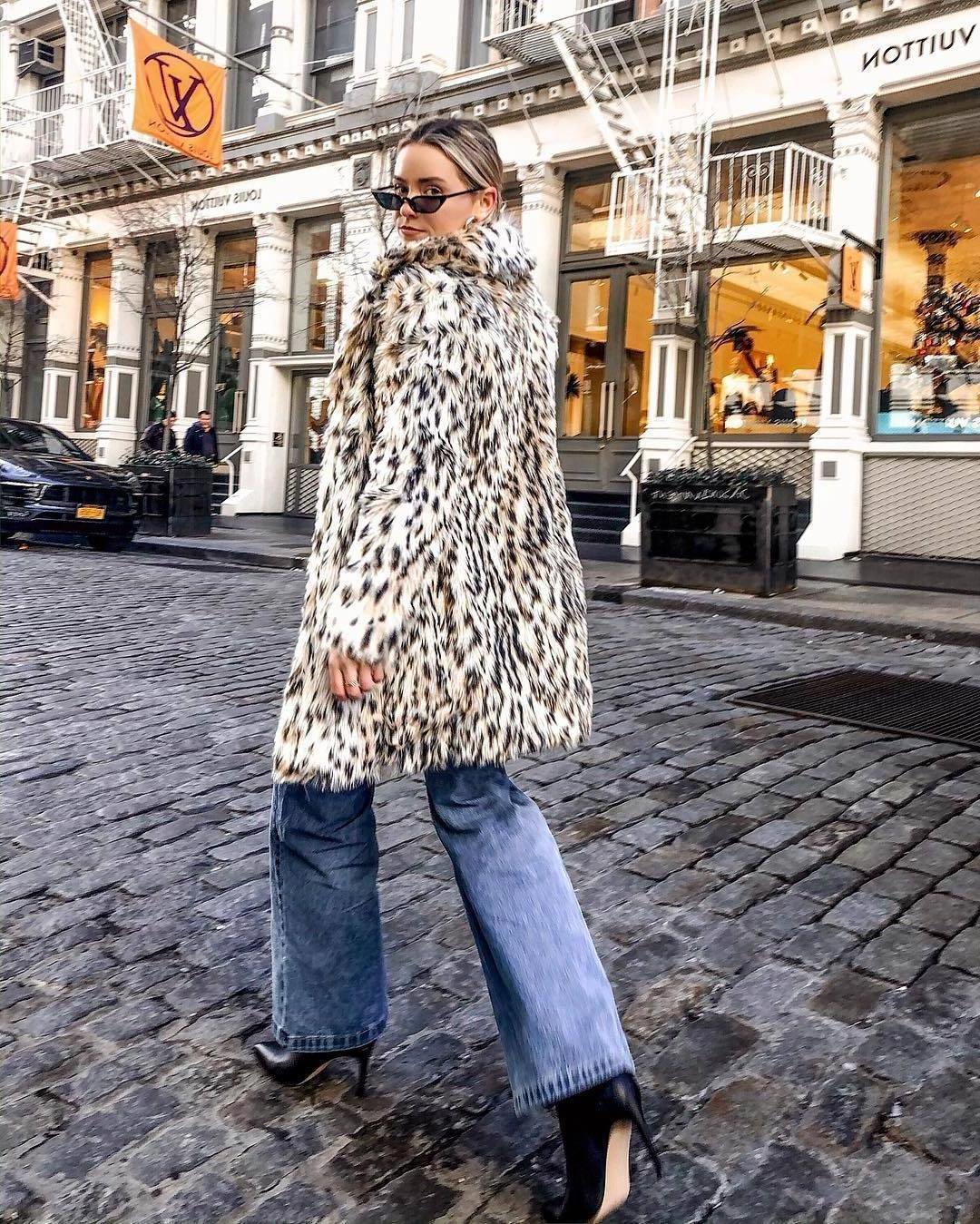 Coat Leopard Coat Fau Fur Coat Leopard Print Flare Jeans Black Boots Winter Outfits Streetstyle Sunglasses cover image