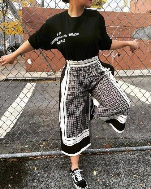 Pants Beige Pants Clothes Culottes Pattern Monochrome Geometric Vans Elastic Waist Band Patterned Culottes Black White Lines Girl Tee Print Cropped Pants Cropped Trousers Trousers Leggings Bla cover image