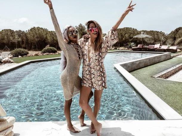 Swimwear Beige Meiquer Blogger Romper Sunglasses Swimwear Long Sleeves Long Sleeve Dress Crochet Dress Lace Lace Dress V Neck Dress Round Sunglasses Beach Dress Animal Print Summer Outfits cover image
