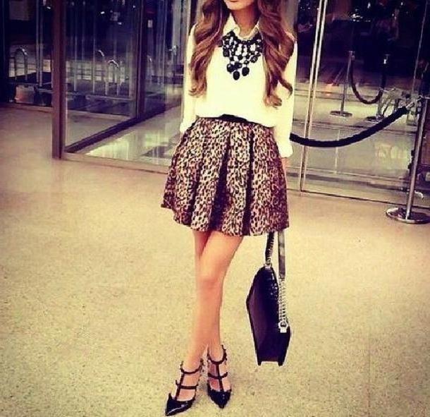 Skirt Beige Jewels Skirt Shoes Belt Blouse Bag cover image
