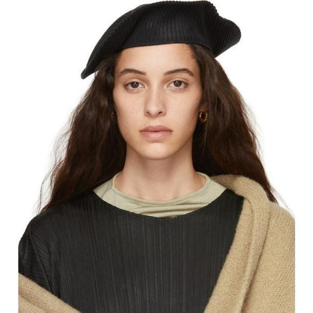 Pleats Please Issey Miyake Black Pleated Beret cover image